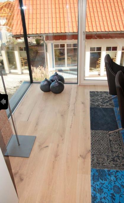 Eckfenster Wohnzimmer Innenansicht