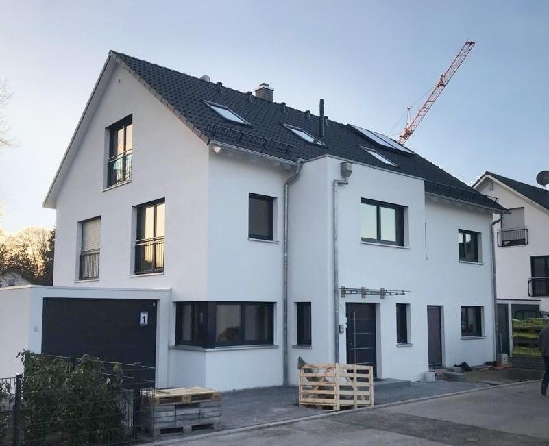 Massives und schlüsselfertiges Doppelhaus von Rötzer Ziegel Element Haus