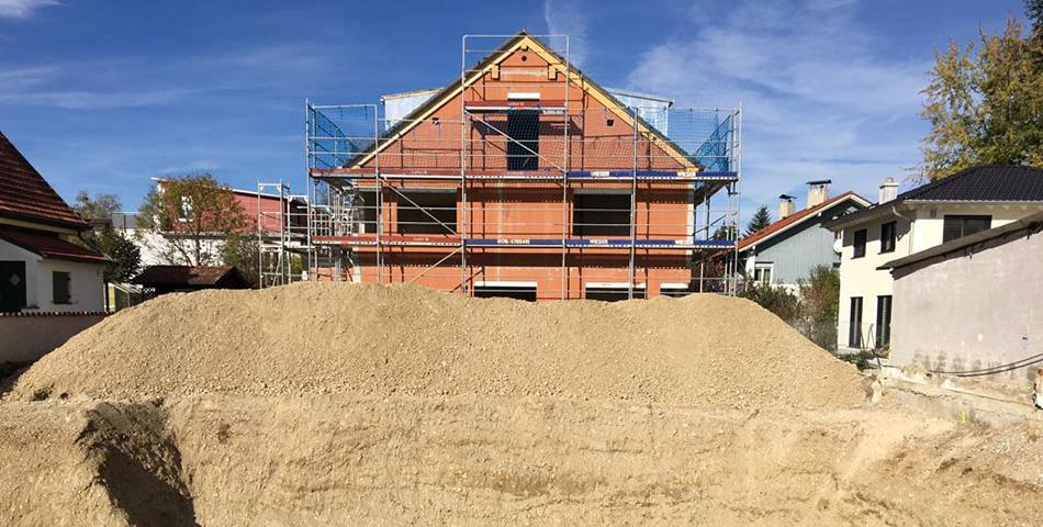 Erdaushub bei einem Rötzer-Ziegel-Element-Haus