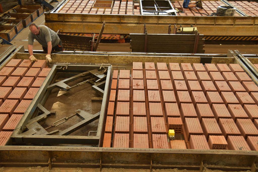 Rötzer Ziegelwerk: Aufbau einer Fertigwand in Ziegelbauweise