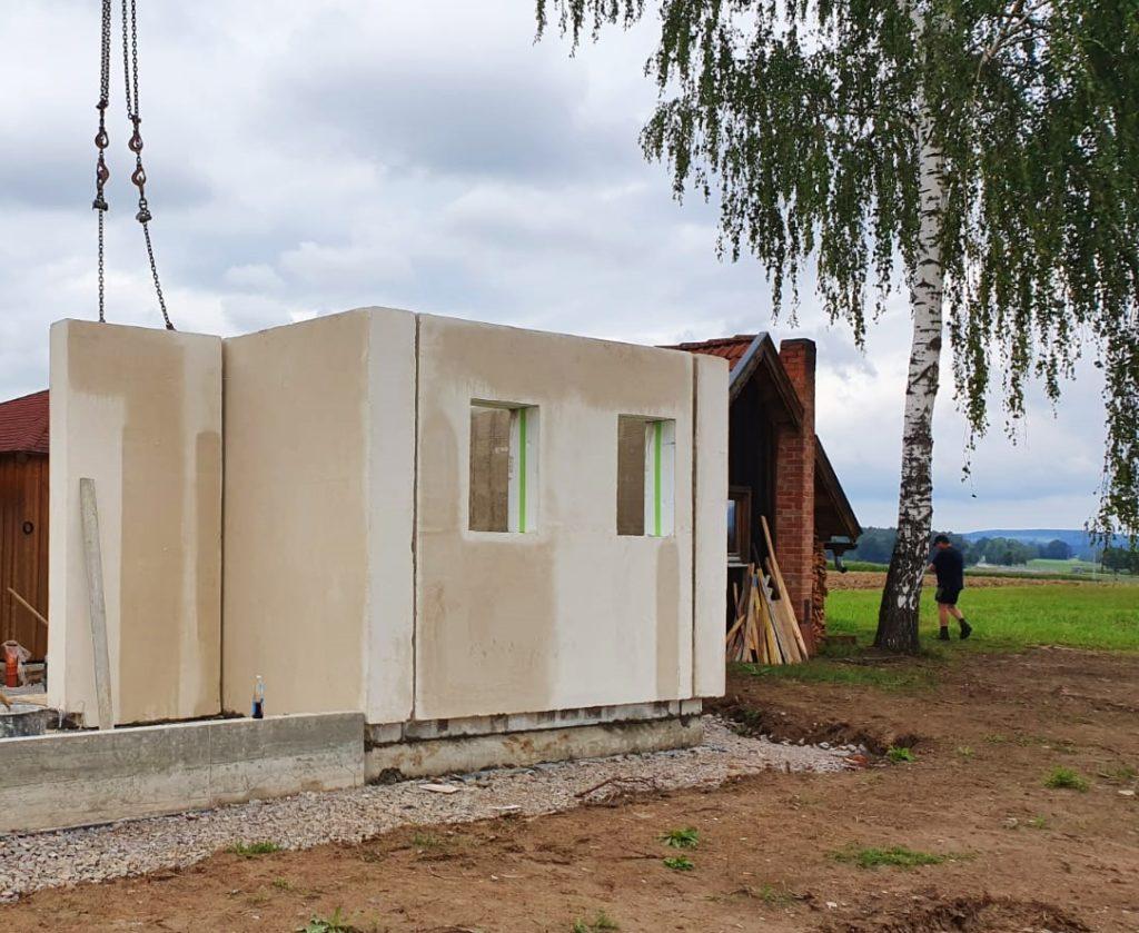 Bau eines Haus-Prototypen mit den Rötzer-Hybridwänden