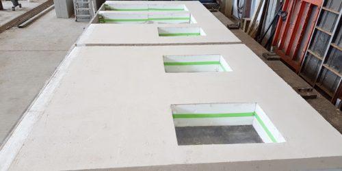 Im Werk gefertigte Hybridwand von Rötzer Ziegel Element Haus mit der Sptizdämmung ecosphere von Maxit
