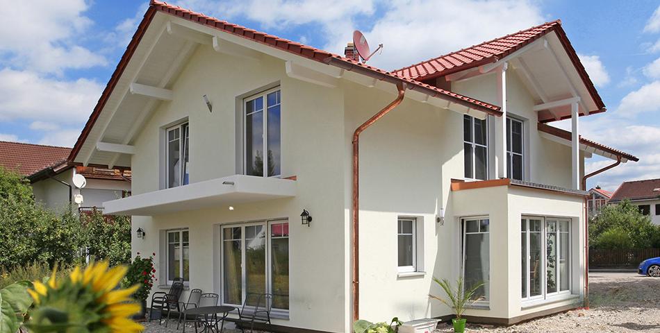 Haus mit Erker von Roetzer Ziegel Element Haus