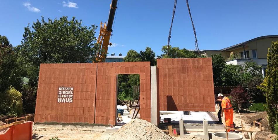 Aufbau eines Rötzer Ziegel-Element-Hauses